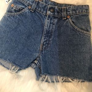 "24"" Levi shorts"
